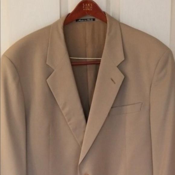 Armani Collezioni Other - Armani collezioni 46R Mint blazer